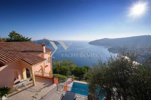 Villa for sale with a panoramic sea view and 4 bedroom - VILLEFRANCHE SUR MER Image #1