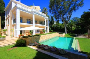 Villa for rental with 4 bedroom - CAP D'ANTIBES Image #1