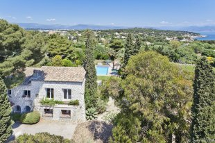 Stunning Villa provençale for rental with 6 bedrooms - CAP D'ANTIBES Image #1