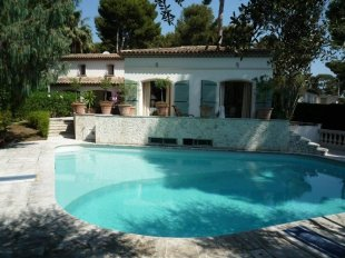 Charming Neo Provençale Villa for sale with 4 Bedrooms - CAP D'ANTIBES Image #1