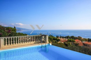 Apartment for sale with a sea view and 4 bedroom - ROQUEBRUNE CAP MARTIN Image #1