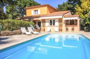 Provençal Villa for sale with 5 bedroom -VILLEFRANCHE SUR MER Image #1