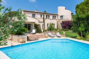 Villa for sale with 4 bedrooms - CAP D'ANTIBES Image #1