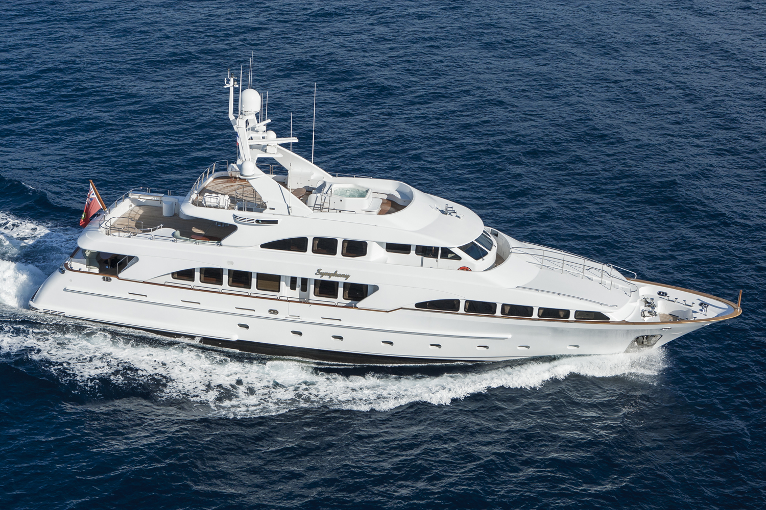 "SOLD ! – Yacht & Villa sell Benetti Classic 115 Superyacht ""Symphony"""