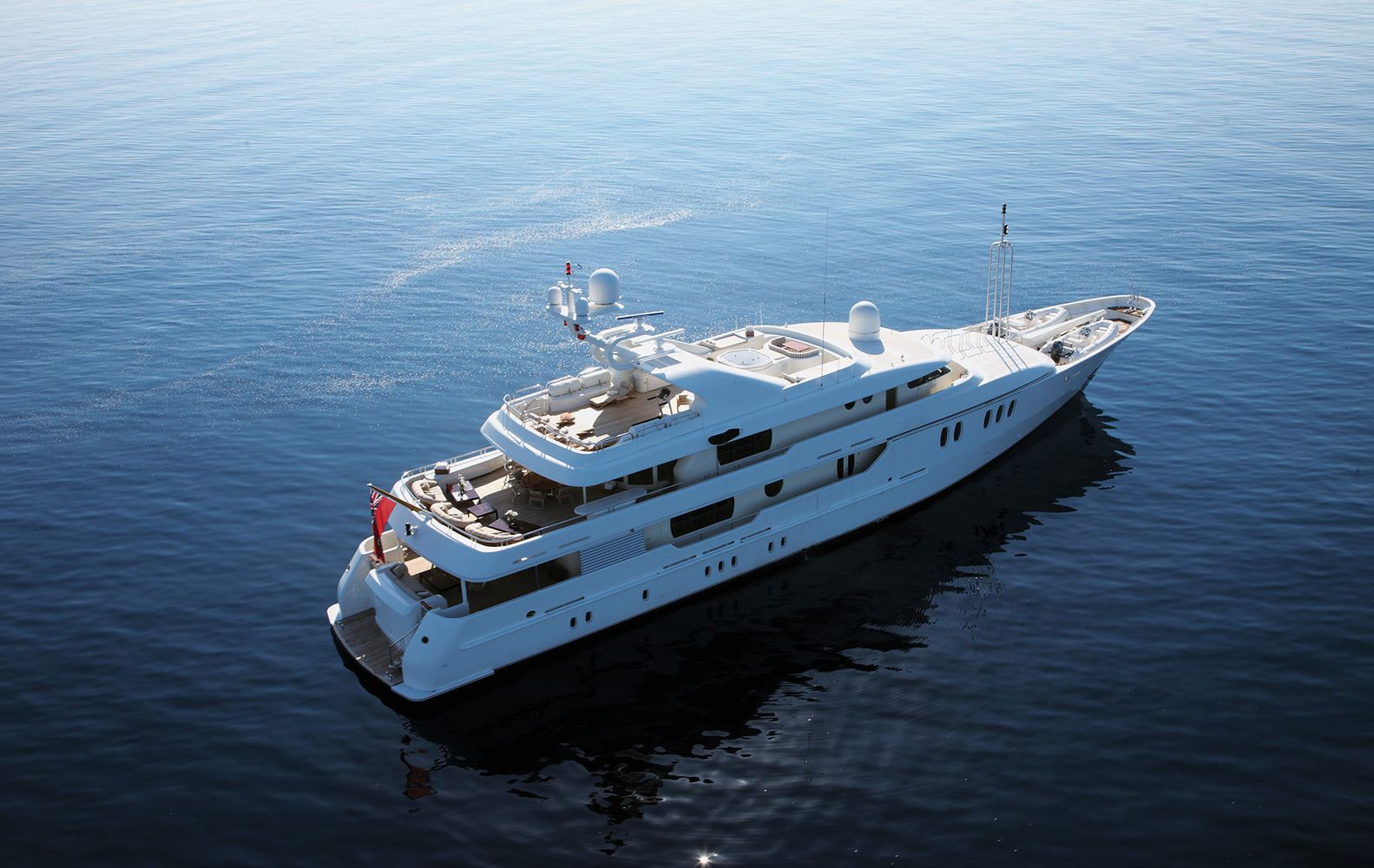 Yacht & Villa sell 50m Amels Superyacht