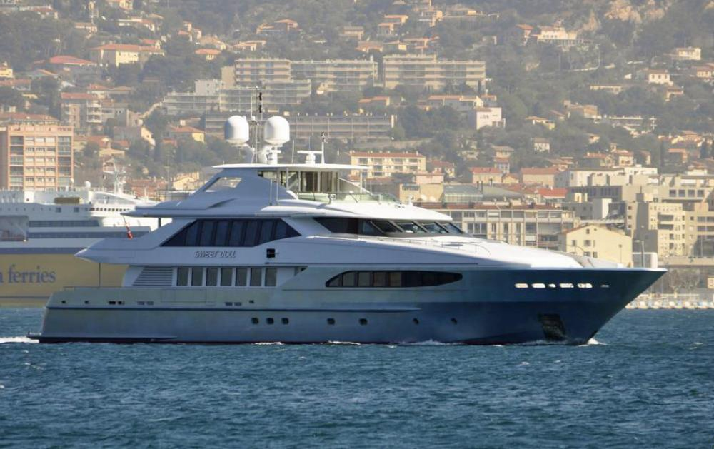 Yacht & Villa sell Heesen 46m Sweet Doll